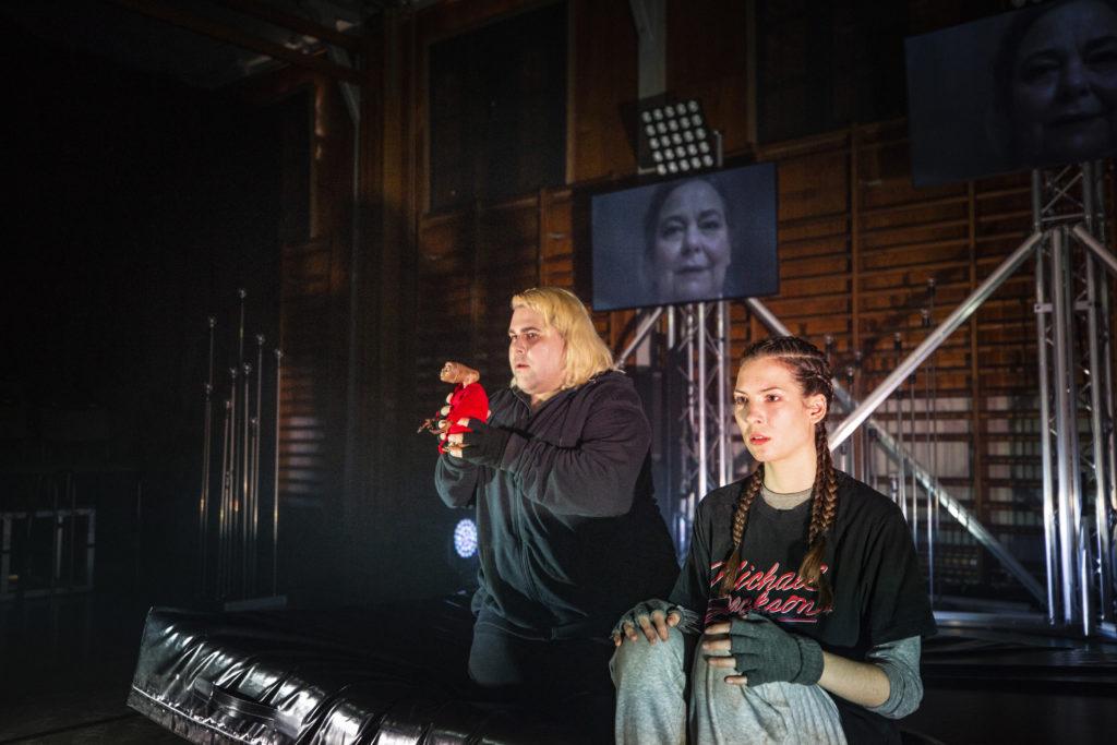 Regionteatern. Ljusets Rike. ET och Hermione